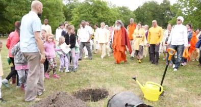 Peace Tree planting in Voderady